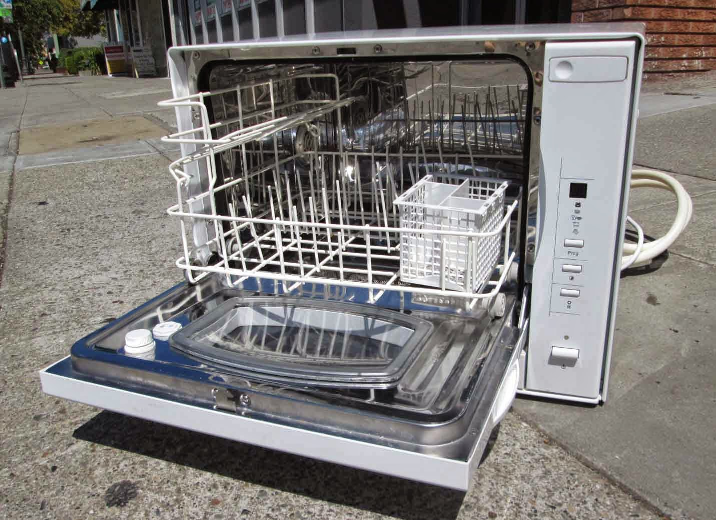 Countertop Dishwasher For Sale South Africa : ... : SOLD Keep it clean! Danby Countertop Dishwasher, 2 years old - $125