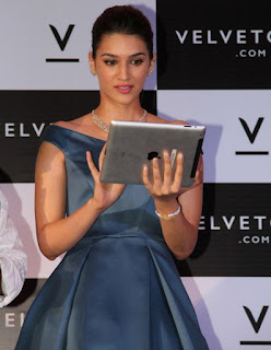 Kriti Sanon looks Stunning at launch of Valvate Case Portal Spicy Pics