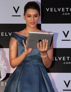 Kriti Sanon looks Stunning at launch of Valvate Case Portal Spicy Pics