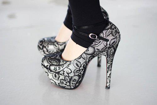 Moda en zapatos de fiesta