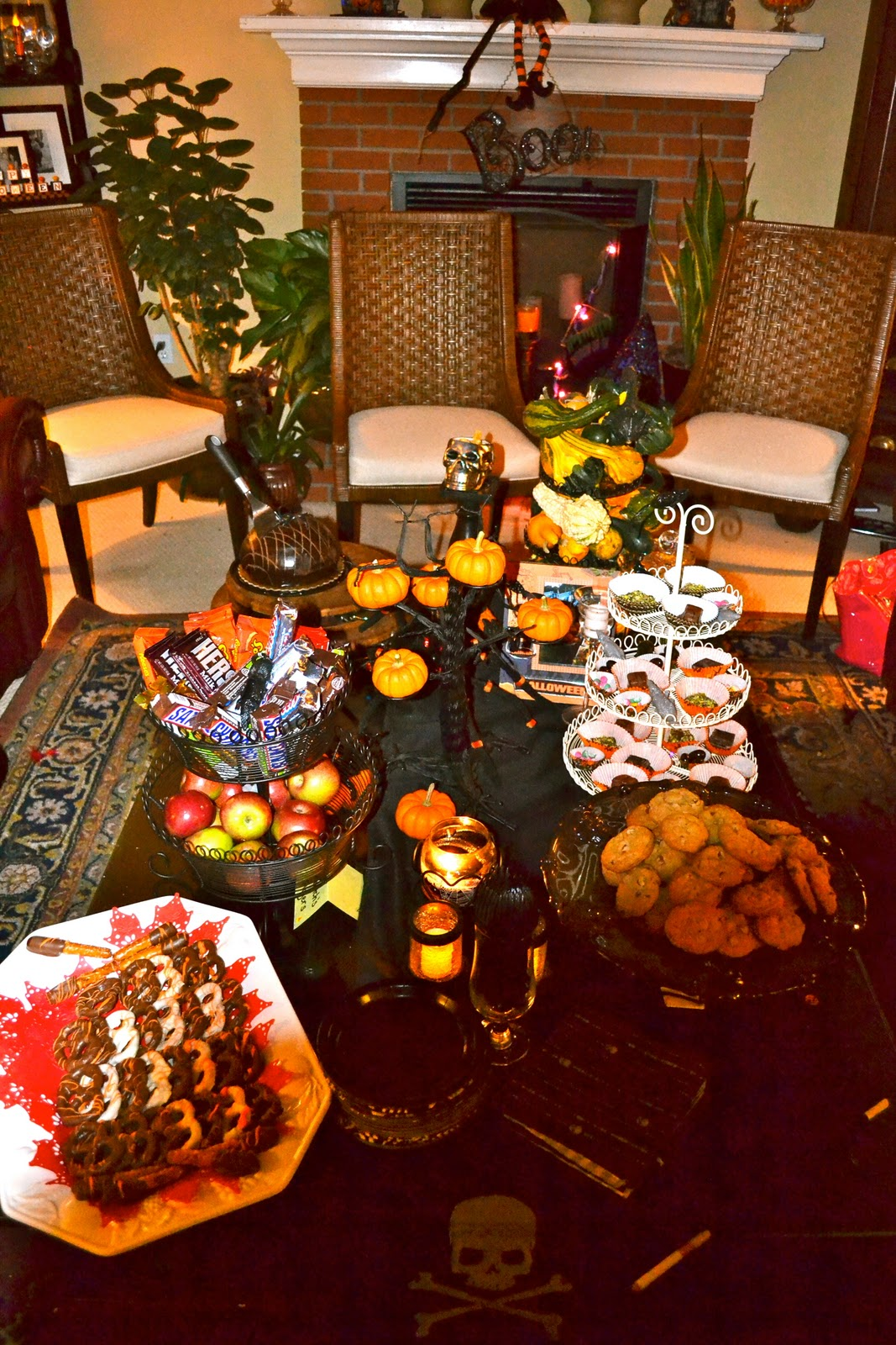 Halloween Fun & Decor Ideas!! How would you decorate for a ...