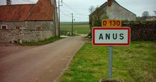 O jee, kip niet gaar bij bbq ---> hé, daar is Anus in het midden van Frankrijk
