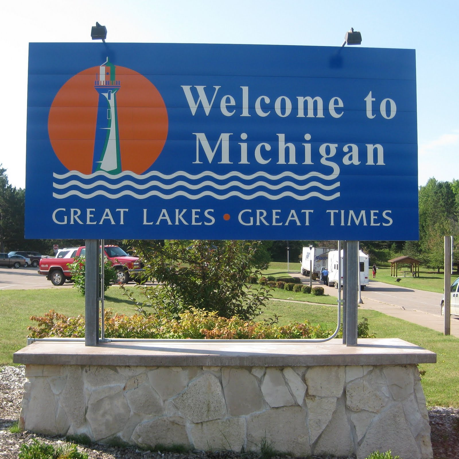 michigan right to work Governor snyder's surprise announcement that he would sign the controversial bill into law is a blow to unions in the labor movement's birthplace.