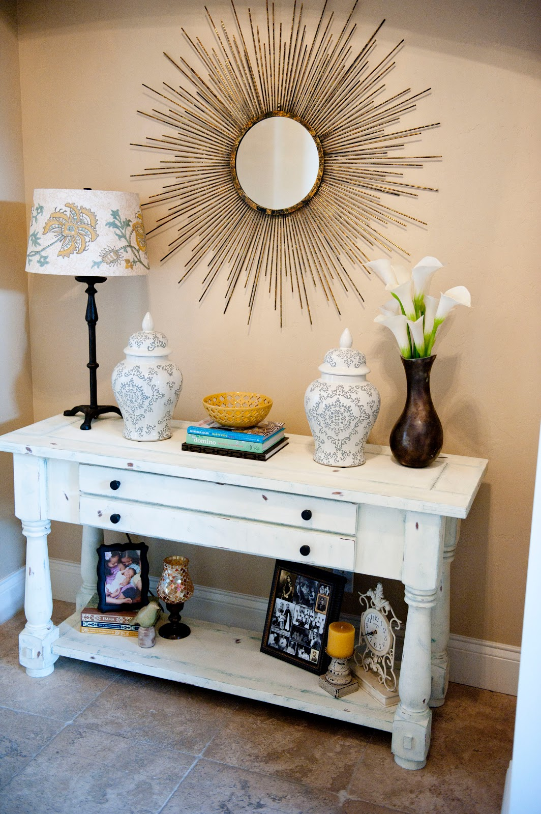 today i am continuing my home tour with my entry and dining room