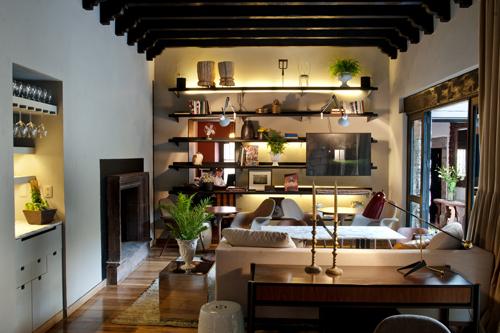 Podio restaurante dos casas por muro rojo for Proyecto cocina restaurante