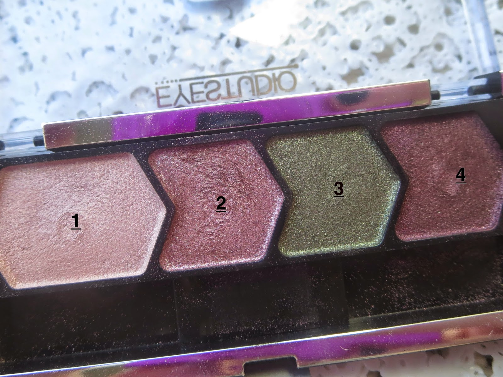 a picture of Maybelline Mad for Mauve palette