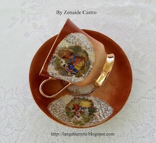 Xícaras de porcelana Zenaide Castro