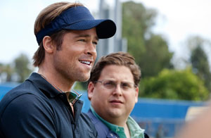 Brad Pitt y Jonah Hill en Moneyball: Rompiendo las reglas
