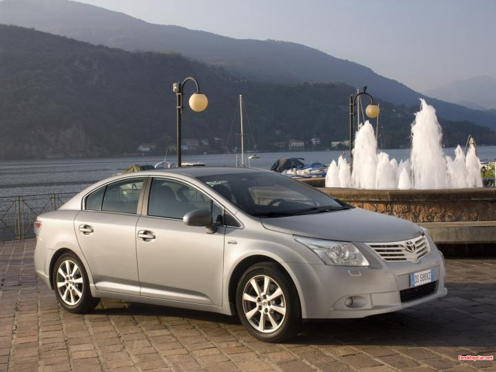 Toyota Avensis Wallpapers