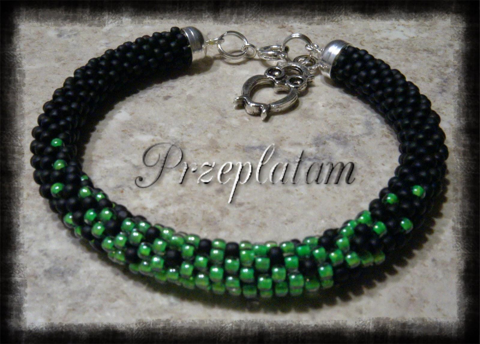 Czarna neonka z zielenią