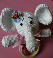 2000 Free Amigurumi Patterns: Baby Rattles: Elephant and ...
