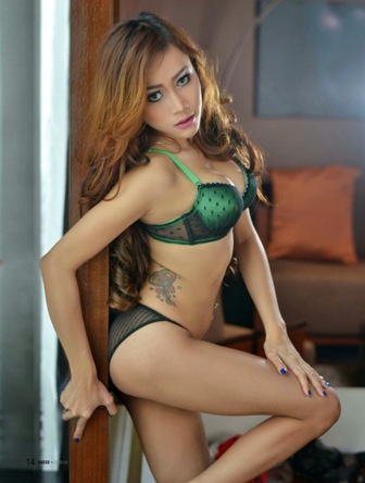 Download Koleksi Foto Sexy Hot Dewi Purnama Sari, Model Sexy Gress Magazine Edisi 20 | www.insight-zone.com