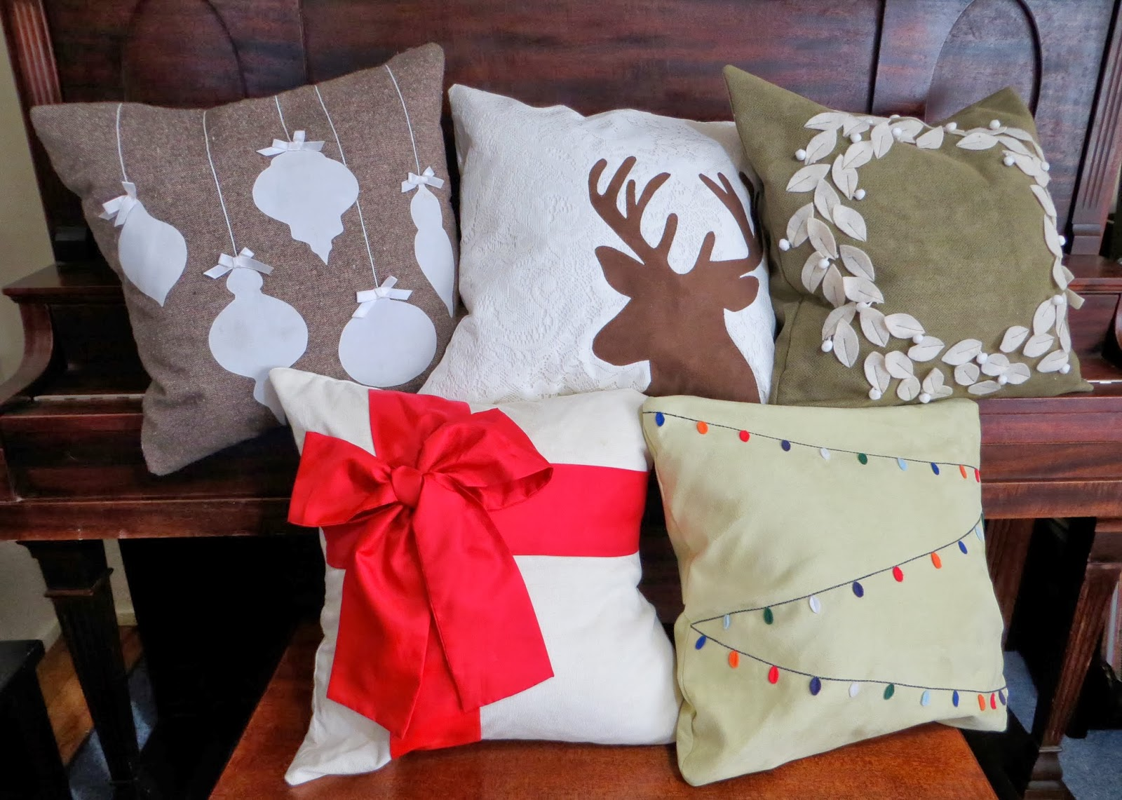 The Project Lady Tutorial For Making Christmas Pillow Covers