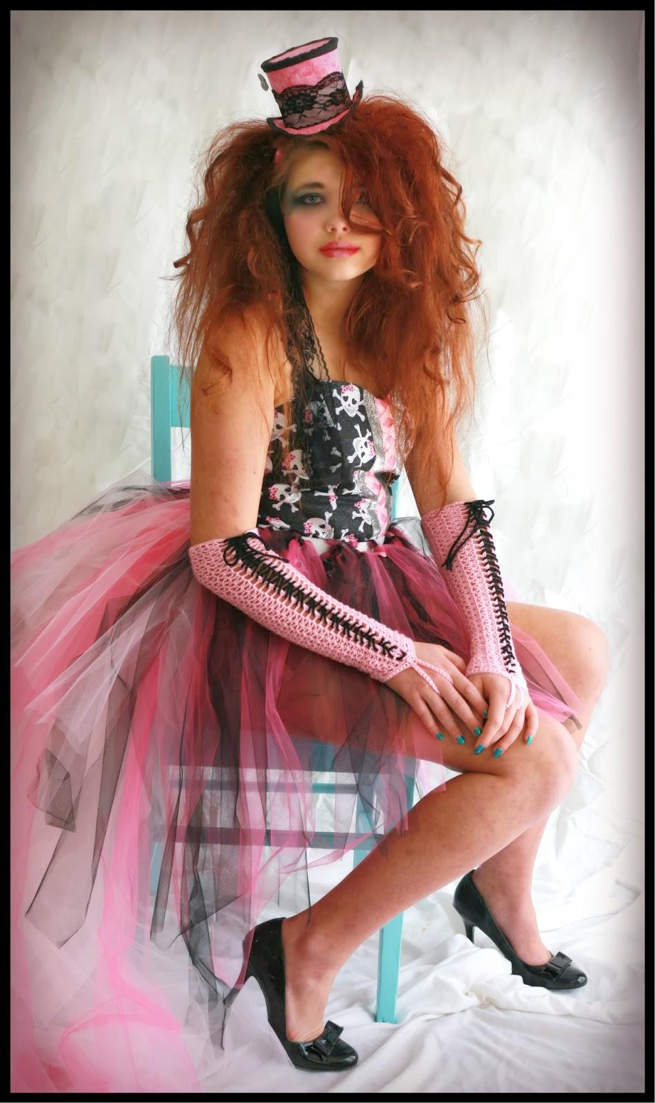 This housewife life lady marmalade corset gloves free - Voulez vous coucher avec moi ce soir betekenis ...
