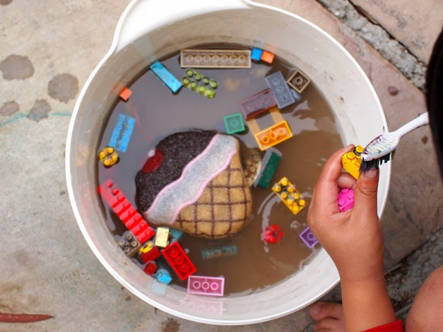 Wash your Lego in water after using them to make art!