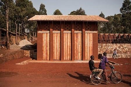 Biblioteca Construida con Materiales Naturales y Locales, Soluciones Sostenibles de Construccion