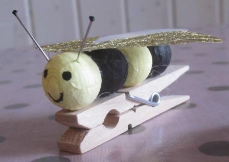 la petite maison de sylvie bricolage des abeilles. Black Bedroom Furniture Sets. Home Design Ideas