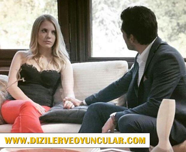 Elif Siyah Straplez Bluz