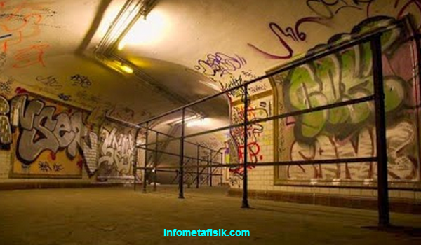 6 Stasiun Kereta yang Terkenal Angker di Dunia infometafisik.com