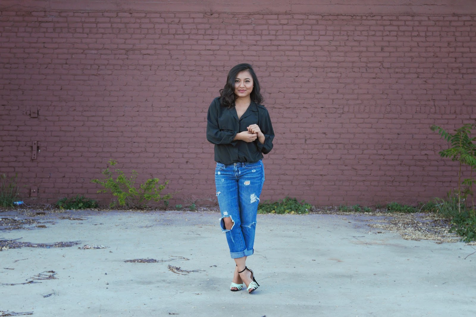 boyfriend jeans thrift store style fashion blogger