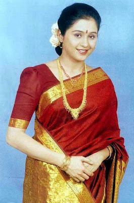 kalla chavi tamil mallu an evergreen mallu in changing saree starfish