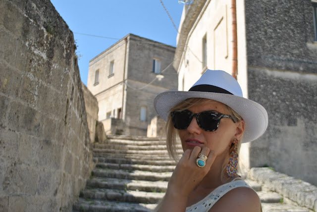 mariafelicia magno fashion blogger colorblock by felym fashion blog italiani anello majique anello ysl anello ispirazione ysl orecchini pendenti majique orecchini estivi accessori estivi bijoux  estivi outfit estivi summer outfits majique london earrings majique london ring