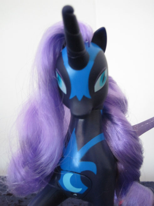 MLP: FiM Talking Nightmare Moon close up.
