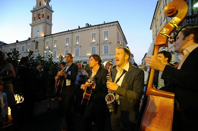 Inaugurazione Nespresso Parma, gipsy queens