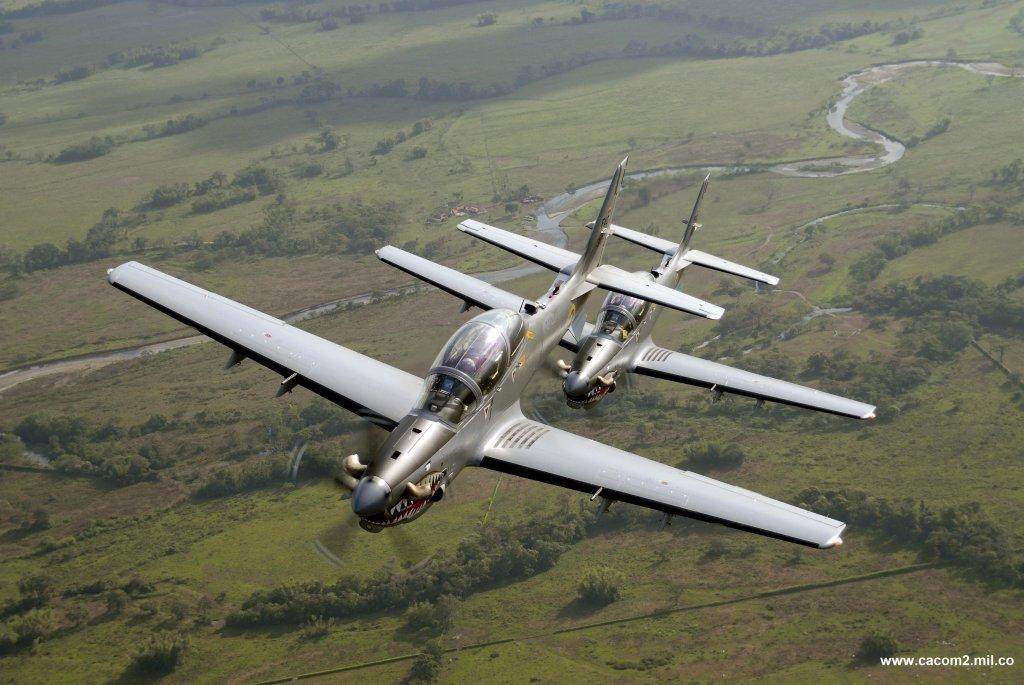 Aviones Super Tucano de la Fuerza Aérea Colombiana bombardearon un campamento del grupo terrorista ELN