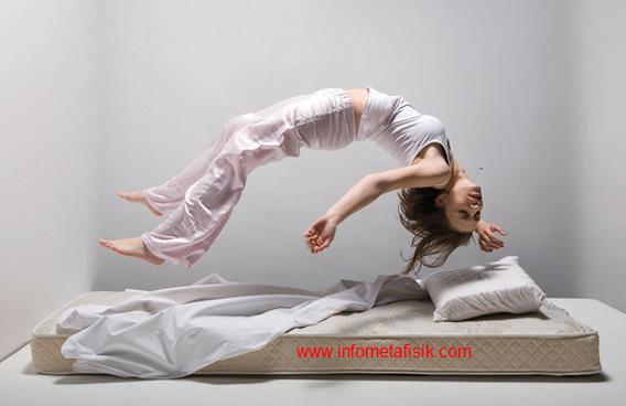 Misteri Dibalik Tidur Mengigau - infometafisik.com