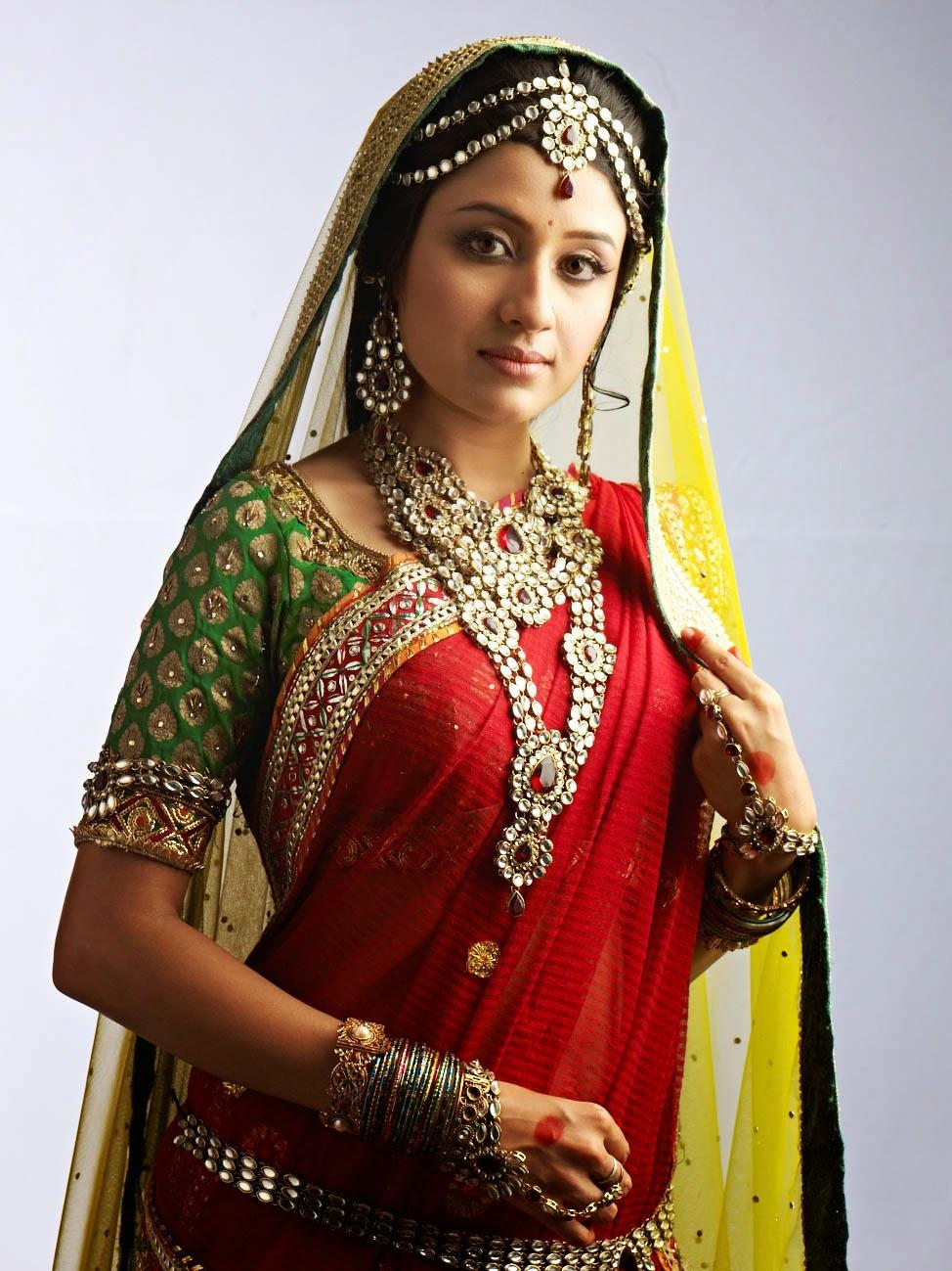 Filmy Girls: Paridhi Sharma 'Jodha'