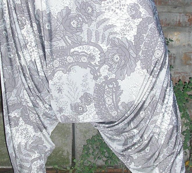 Babucha chiripá en seda fría estampada