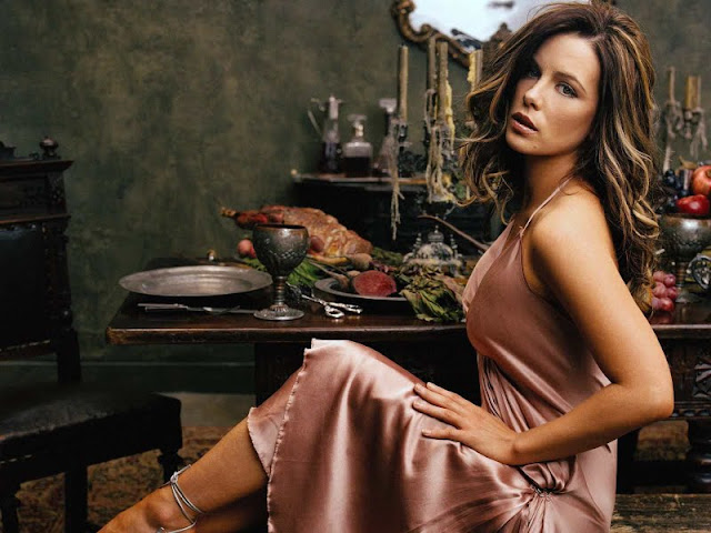Kate Beckinsale wallpaper