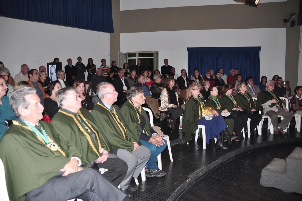 Acadêmicos, amigos e convidados prestigiaram a solenidade