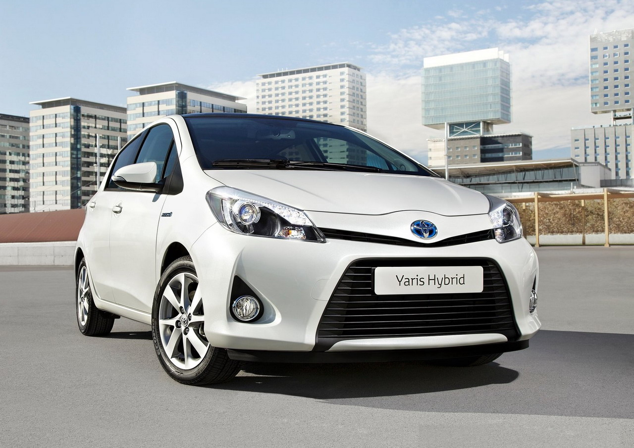 2013 toyota yaris hybrid automotive review and trend. Black Bedroom Furniture Sets. Home Design Ideas