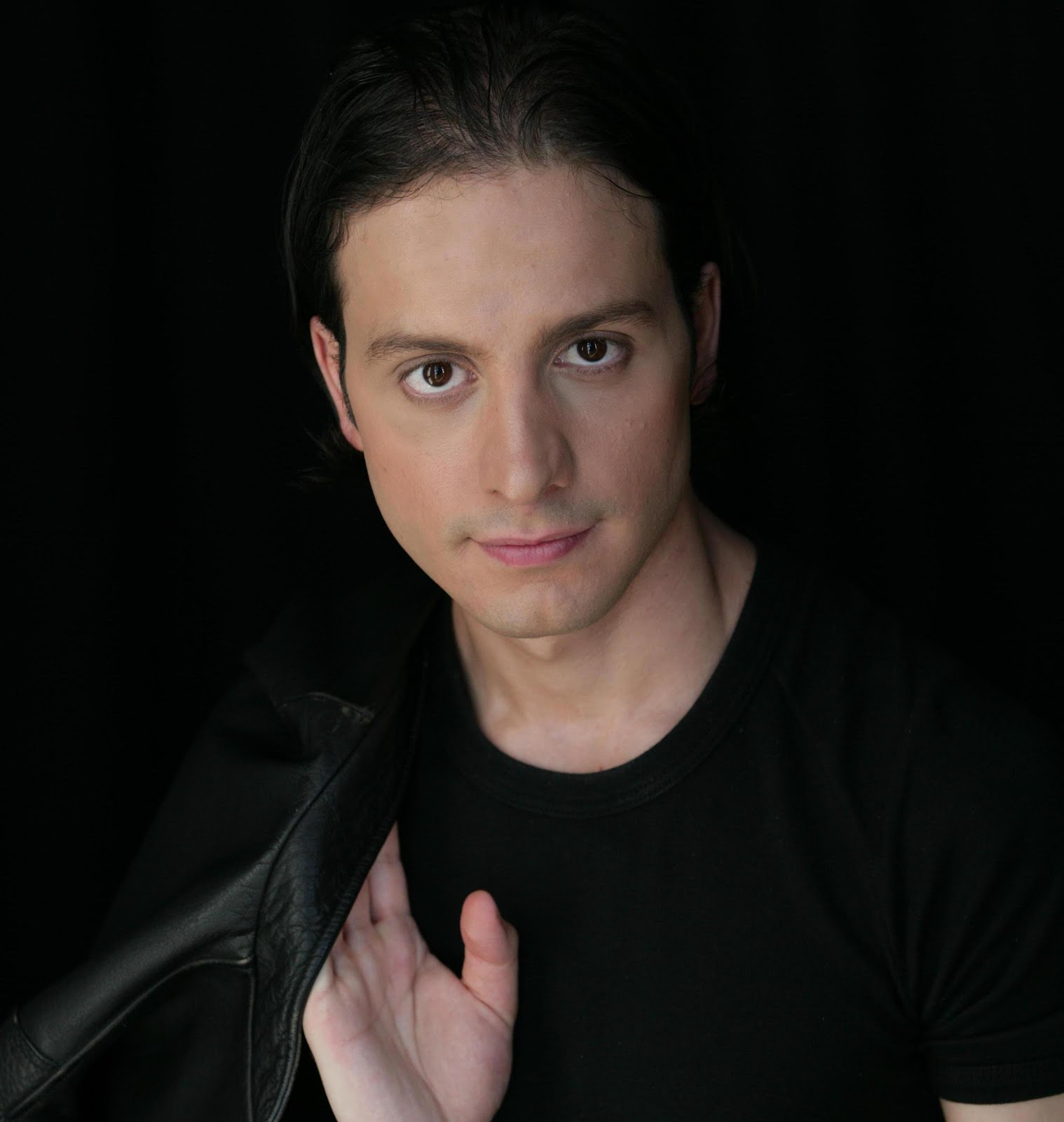 Contributing Columnist: Actor/Singer Antonio Rullez!