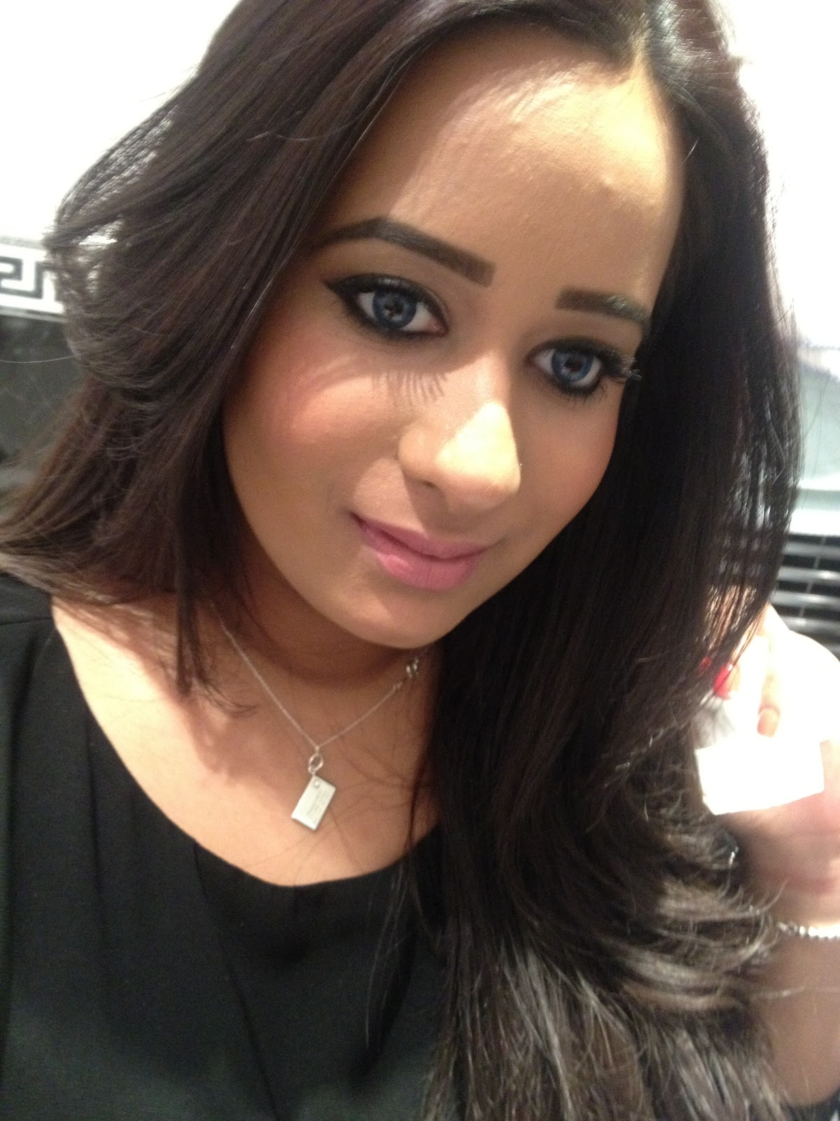 MAC  Yash  Lipstick Middle East Women Eyes