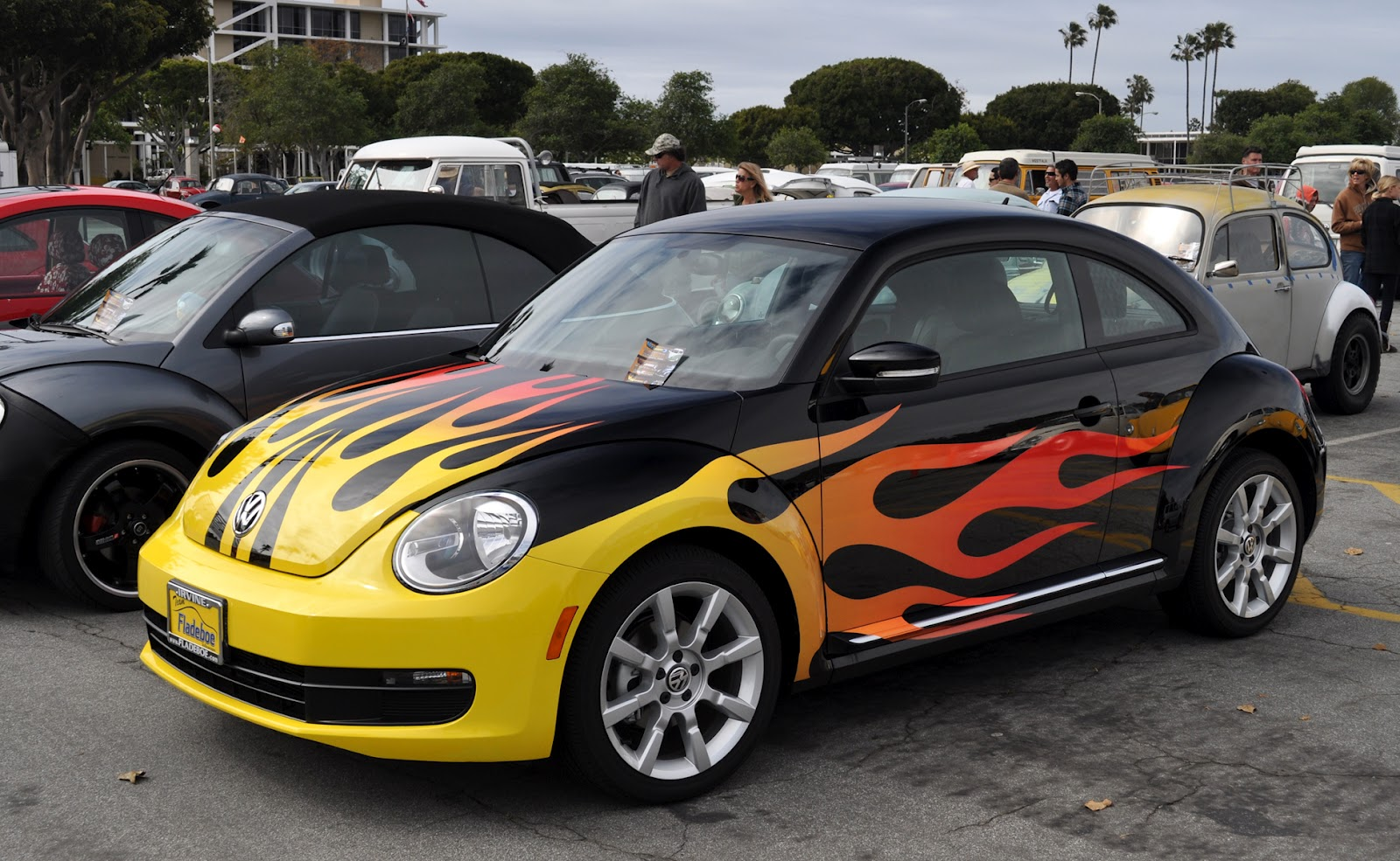 Cool flames on cars the image kid has it for Car paint designs pictures
