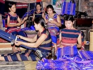 Gia Lai: Dệt thổ cẩm - bản sắc văn hóa độc đáo của người Bahnar