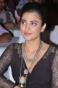 Shruti Haasan New photos-thumbnail-6