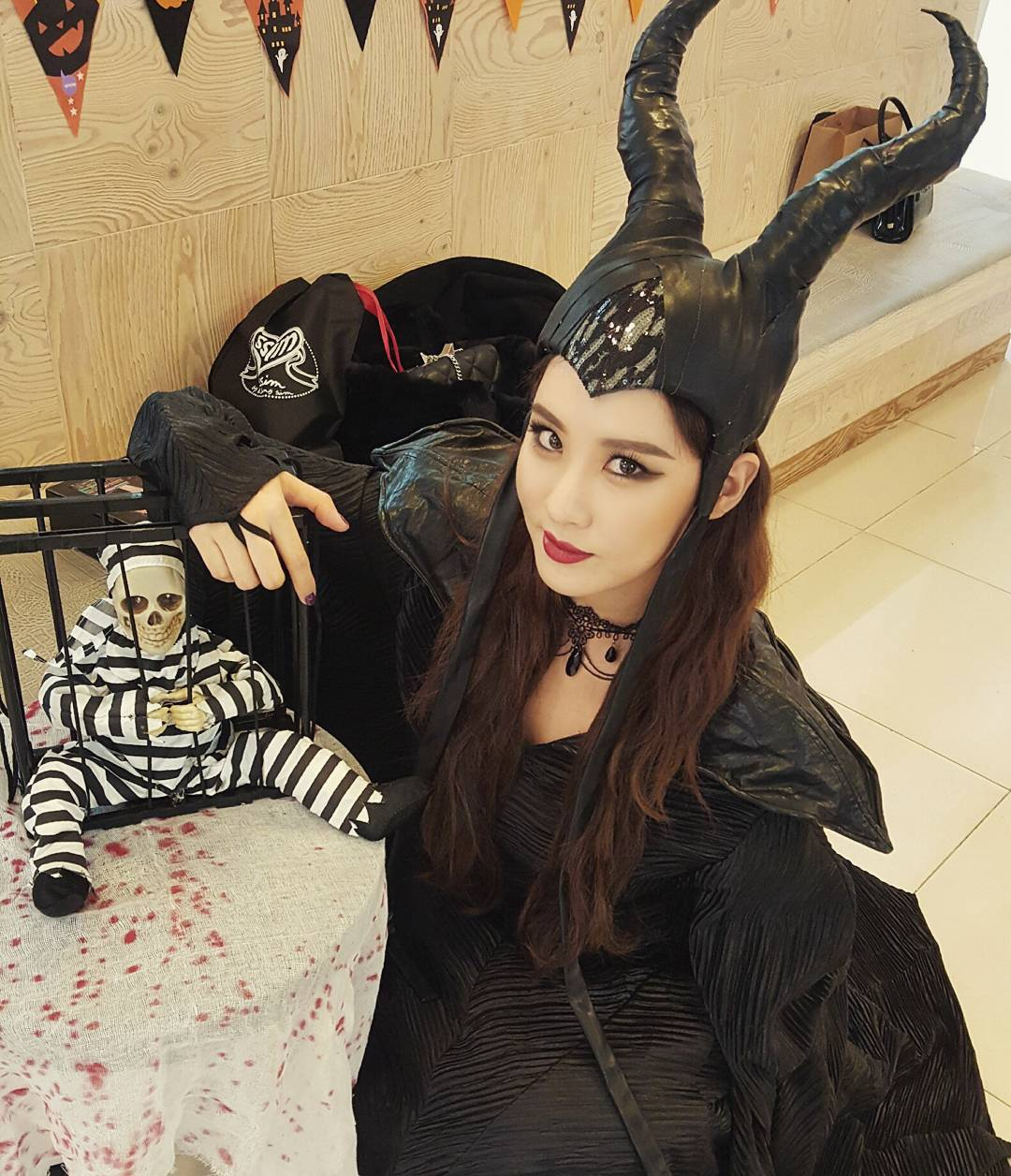 SNSD members and their updates from SMTown's Halloween Party ...