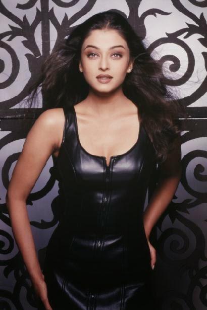 Aishwarya Rai hot boobs photos