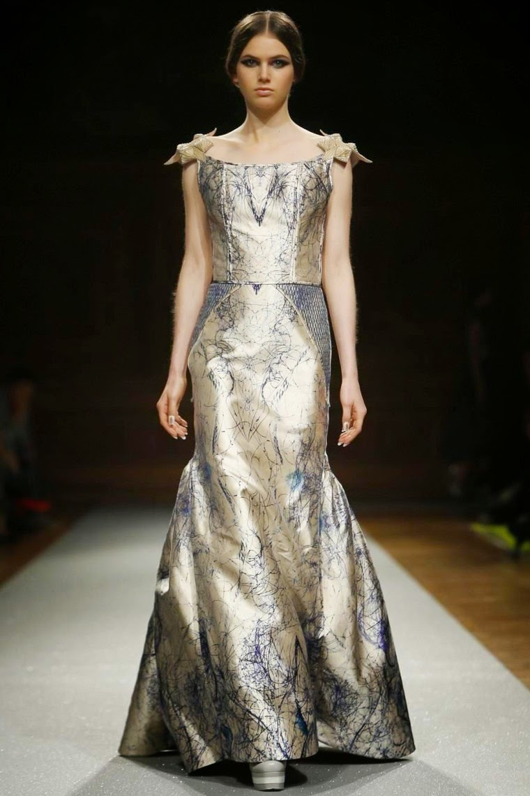 Oscar-Carvallo-couture-Fall-Winter-2014-2015, Oscar-Carvallo-couture-Fall-Winter-2014, Oscar-Carvallo-couture-Fall-Winter-2015, Oscar-Carvallo-couture-Fall-Winter, Oscar-Carvallo-couture-2014-2015, Oscar-Carvallo-couture-2014, Oscar-Carvallo-couture-2015, Oscar-Carvallo-couture, Oscar-Carvallo-haute-couture-Fall-Winter-2014-2015, Oscar-Carvallo-haute-couture-Fall-Winter-2014, Oscar-Carvallo-haute-couture-Fall-Winter-2015, Oscar-Carvallo-haute-couture-Fall-Winter, Oscar-Carvallo-haute-couture-2014-2015, Oscar-Carvallo-haute-couture-2014, Oscar-Carvallo-haute-couture-2015, Oscar-Carvallo-haute-couture, Oscar-Carvallo, du-dessin-aux-podiums, dudessinauxpodiums, robe-cocktail, robes-de-soiree, robe-soirée, robe-mariée, robe-été, robes-de-cocktail, womens-robe, petite-robe-noire, robe-bustier, ladies-clothes, tenue-soirée, robe-sexy, sexy-dress, dress-online, robe-blanche, robe-de-bal, robe-portefeuille, robes-cocktail, robes-de-mariage, robe-soire, robe-de-demoiselle-d-honneur, robe-de-soirée-pour-mariage