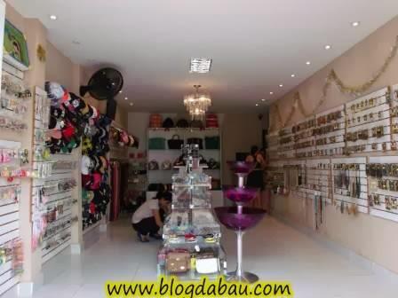 980da9147a6 A proprietária da loja Adriana