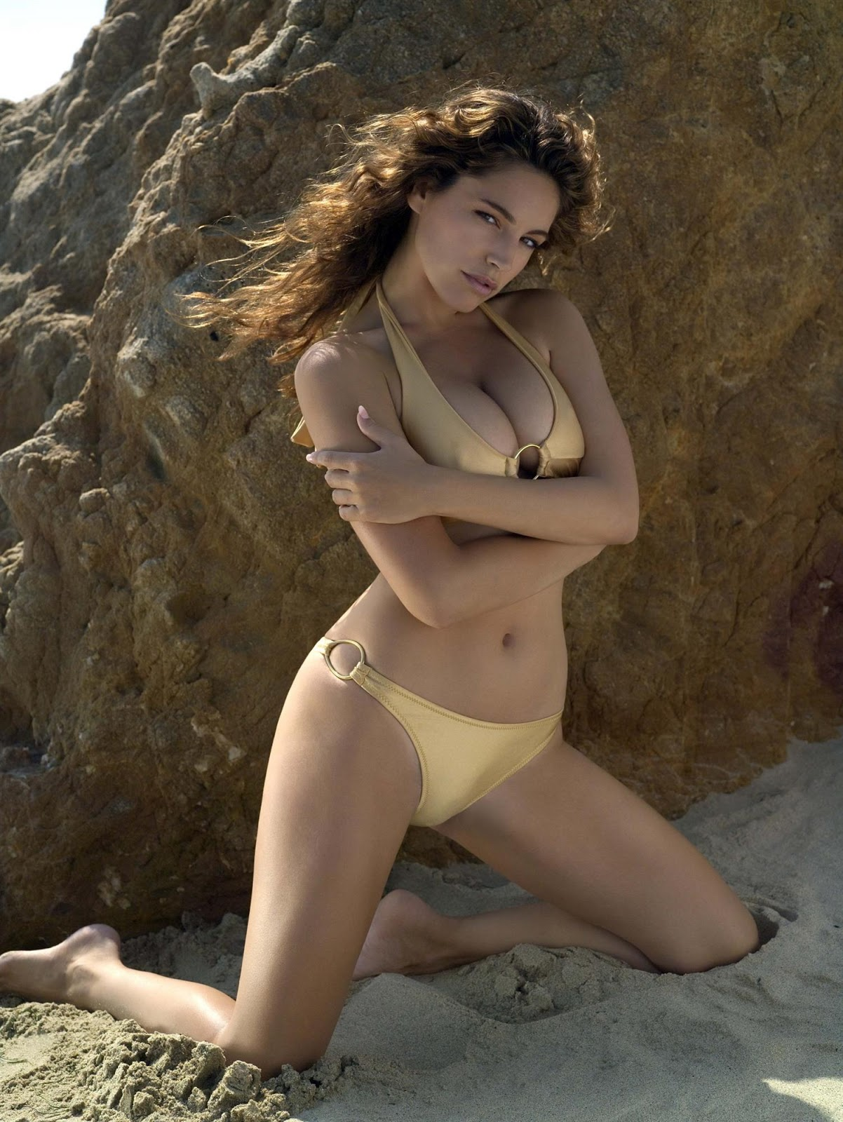 Kelly+Brook+2007+Calendar+1 18 Best Kelly Brook Photos in Swimwear