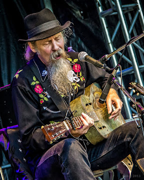 Doc MacLean, performance PIC