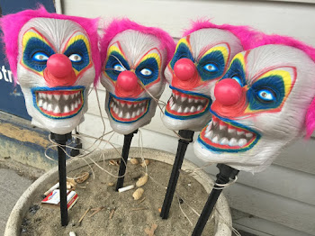 Creepy Clowns on Pearl Street