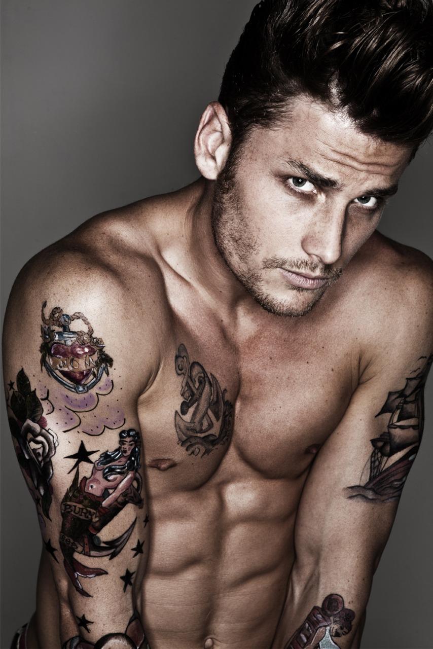 Татуировки у накаченных парней 6 фотография