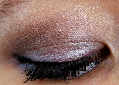 Prestige Eyeshadow Palette in Ready to Wear Swatch