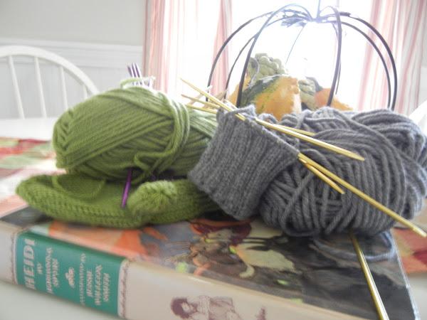 Yarn Along 9/28/11